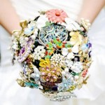 Look Gorgeous On Your Wedding With Crystal Brooch Bouquets